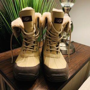 ugg Shoes - NWT UGG Adirondack 1909 Boots Size 7